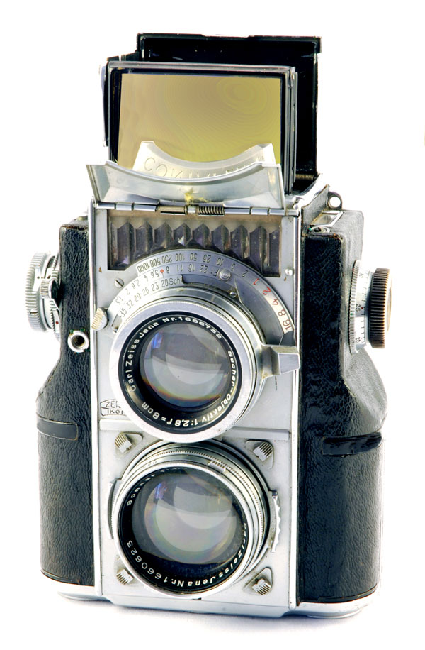 The Twin Lens Contaflex: A 35mm TLR | Shutterbug