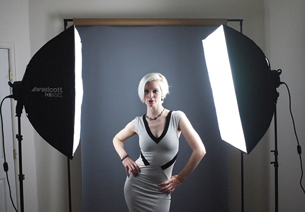 The Softboxes Have A Reflective Silver Lining To Maximize Output With Heat Resistant Rods That Mount On Receptacles D5 S Head