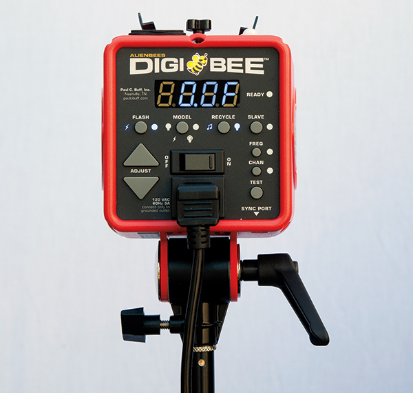 The First Thing Youu0027ll Notice About The DB800 Is Its Sizeu2014it Is Very Small!  At Three Pounds And A Good 30 Percent Smaller Than An AlienBees, This Could  Be ...