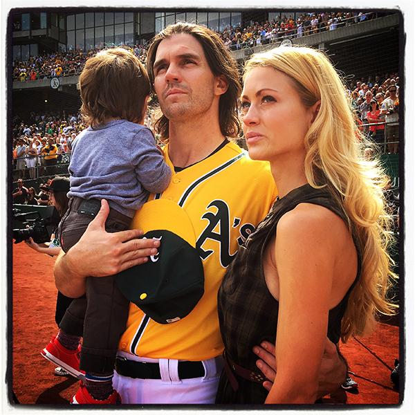 How Pro Sports Photographer Brad Mangin Makes Money Selling Baseball ...