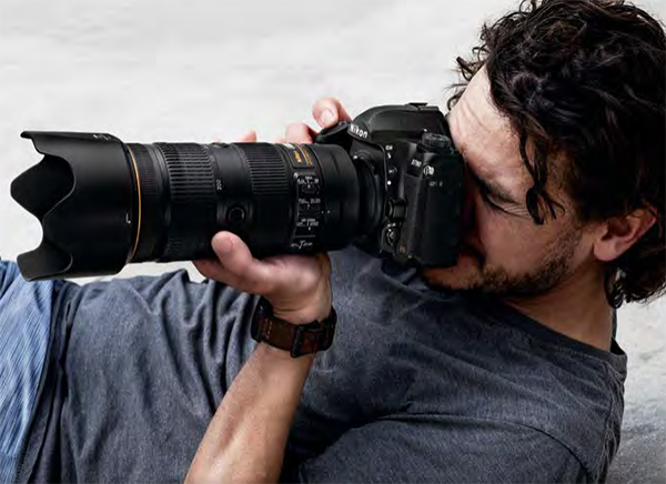 """The DSLR Strikes Back! Why """"Mirrored"""" Cameras Still Matter in 2020"""