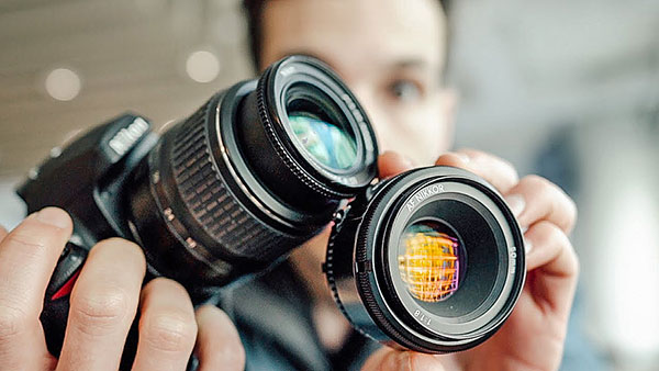 This Is the ONE LENS Every Photographer Should Own (VIDEO)