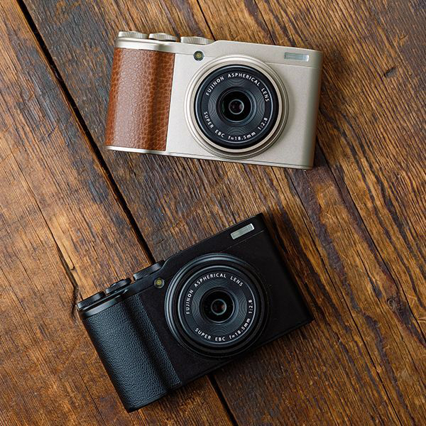 Fujifilm XF10 Compact Camera With APS-C Sensor Review