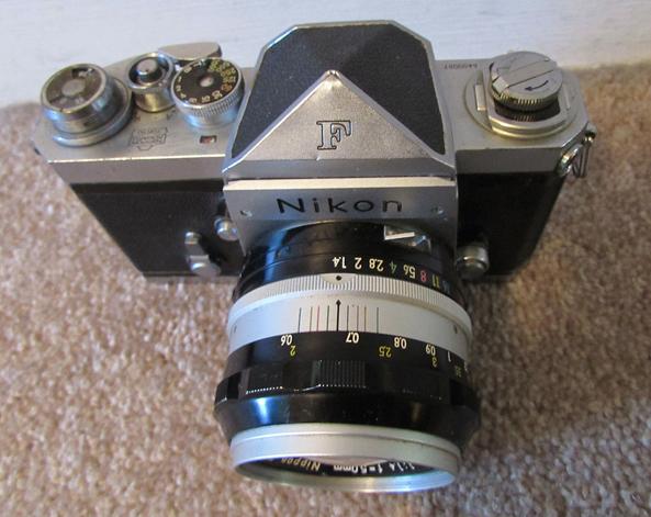 Grandpa's Super Rare 1959 Nikon F with Cloth-Type Shutter Curtain