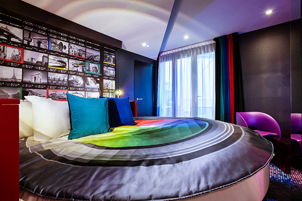 book your next vacation to the hotel declic a fantastic photography themed hotel in paris. Black Bedroom Furniture Sets. Home Design Ideas
