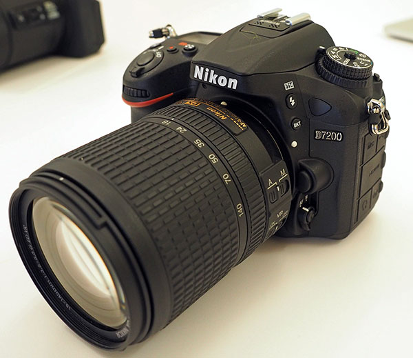 Otherwise though the new nikon d7200 is not drastically different from the previous camera from two years ago its more evolutionary than revolutionary