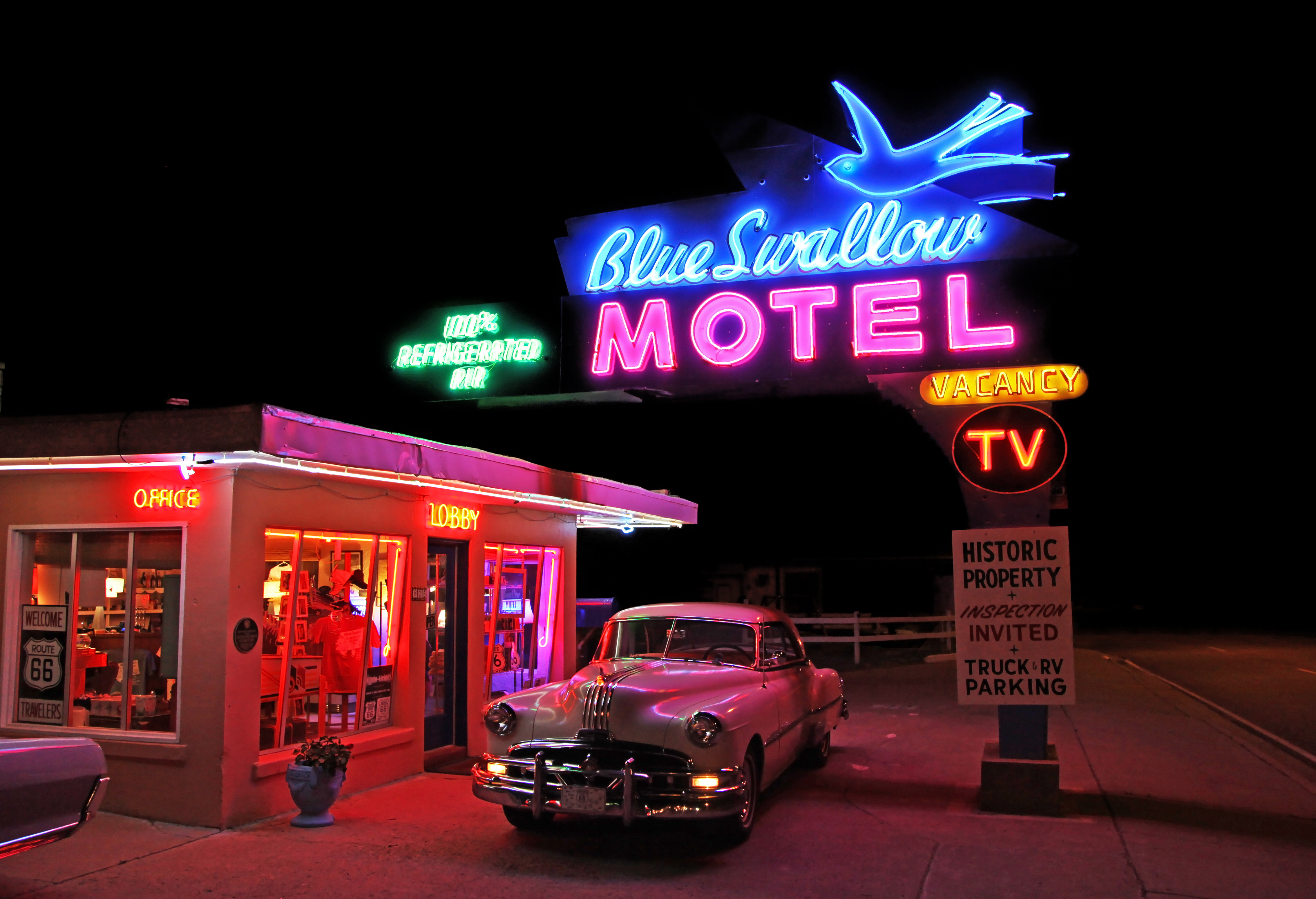 Blue Swallow Motel A Rainbow Of Neon On Old Route 66