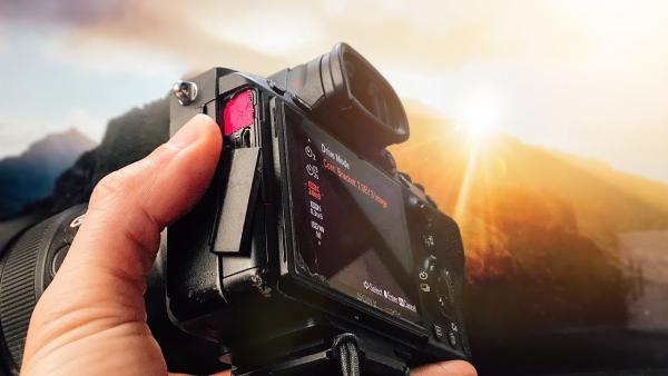 Here's Why You Should Use the Bracketing Function on Your Camera to Save Great Photos (VIDEO)