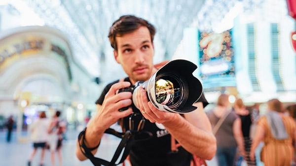 How to Crush Street Photography in 2019: More Tips from Pierre T. Lambert (VIDEO)