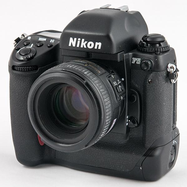 Watch This Classic Nikon F5 SLR Commercial Shot with the Camera at 8 Frames Per Second