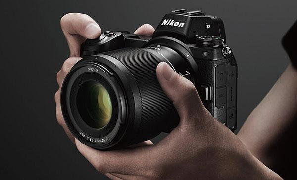 5 Reasons Why I Switched to Mirrorless Cameras...and Why You Might, Too