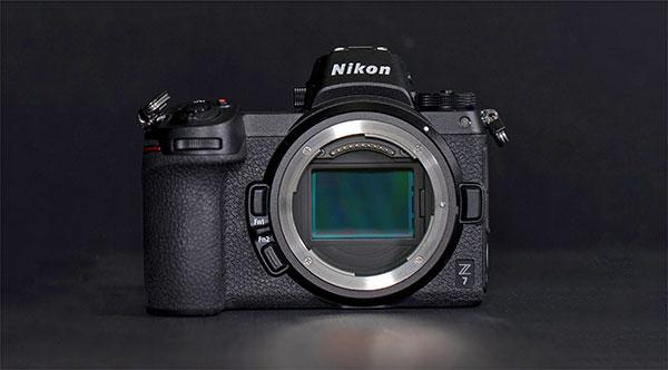 See What the New Nikon Z7 Mirrorless Camera Looks Like Inside in This Revealing Teardown