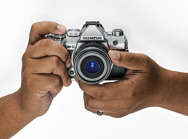 Olympus Intros Compact, Dustproof, Freezeproof, Weather Sealed OM-D E-M5 Mark III Camera