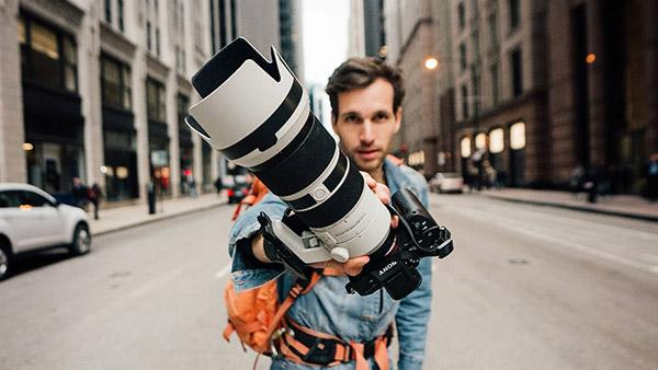 Can You Shoot Street Photography with a 70-200mm Zoom Lens? Yes, Here's How (VIDEO)