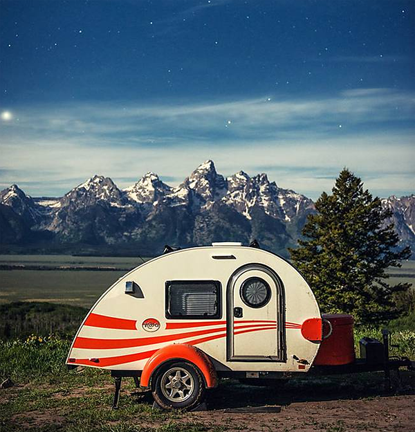 Nature Photographer Mandy Lea Travels in Style to Capture Gorgeous Images of the Great Outdoors