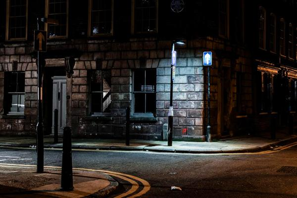 Nighttime Is the Right Time for the Beautiful Moody Street Photography of Justin Carey