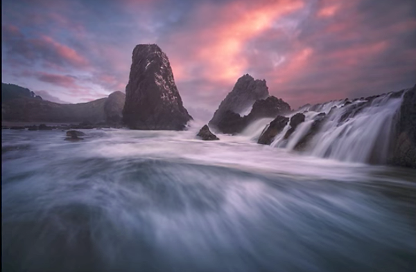 Photoshop Tutorial: Create Stunning Seascapes by Merging Multiple Photos into One Killer Shot (VIDEO)