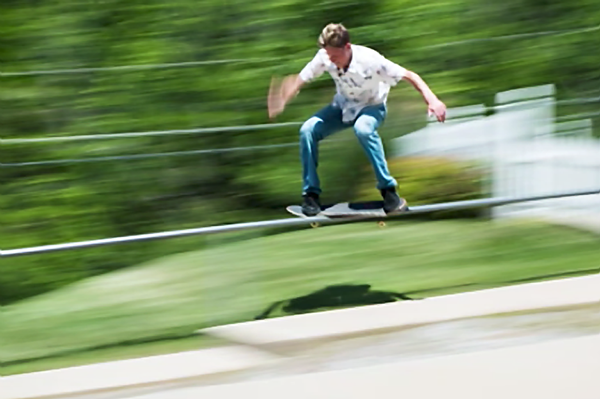 8 Tips for Better Action Photos with a Simple Camera Panning Technique (VIDEO)