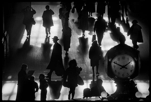 Behold the Incredible Black-and-White Street Photography by Legendary Richard Sandler