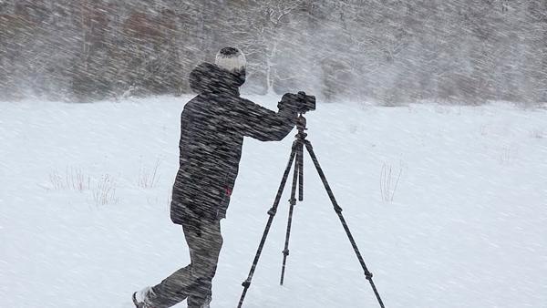 Watch This Landscape Pro Battle a Fierce Blizzard & Shoot Epic Photos in Ferocious Winds (VIDEO)