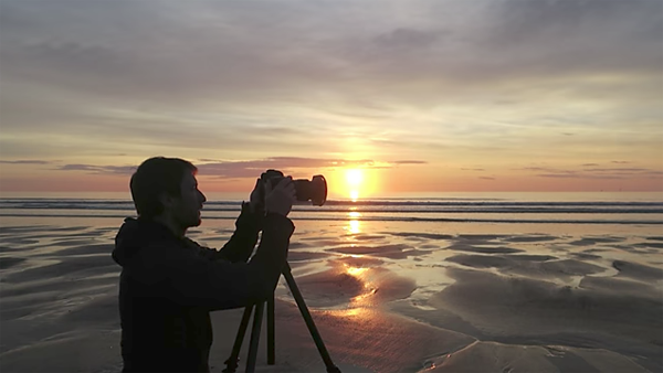 How to Shoot Spectacular Seascape Sunrise Photos with These Tips from Pro Thomas Heaton (VIDEO)