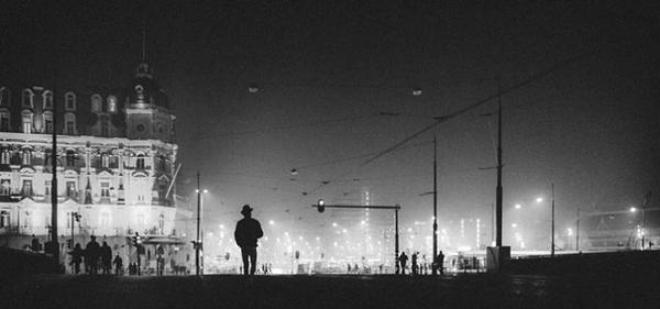 5 Tips for Dramatic Street Photographs at Night with Dutch Pro Vijce Vieth (VIDEO)