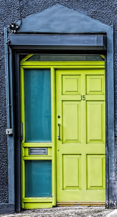 I took this photo in Cork Ireland. I used a Canon 7D with a Tamron 24 x 70 lens at F5.61/180 speed 200 ISO. It was a bit overcast. & A Smiling Irish Door | Shutterbug pezcame.com