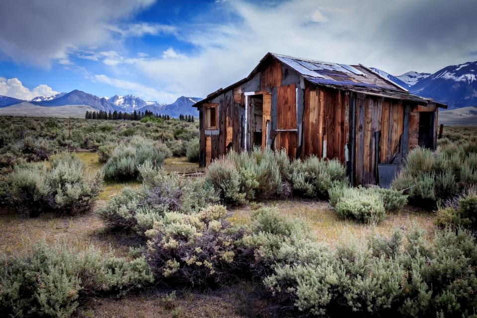 I Have Passed This Cabin For Years Traveling The East Side Of The Sierra  Nevada Mountains. It Has Always Caught My Eye With Itu0027s Colorful Weathered  Wood Set ...