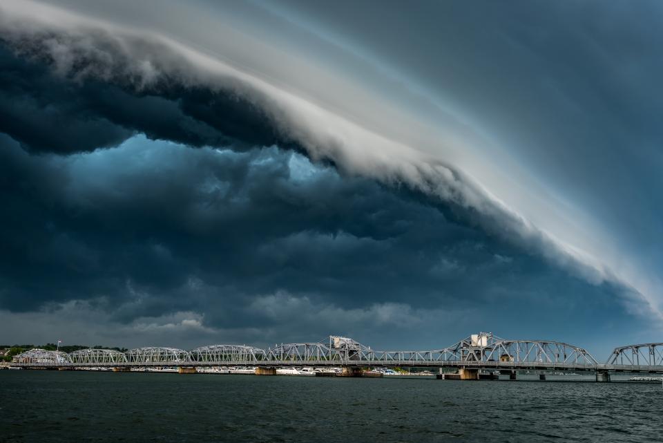 shelf clouds shutterbug